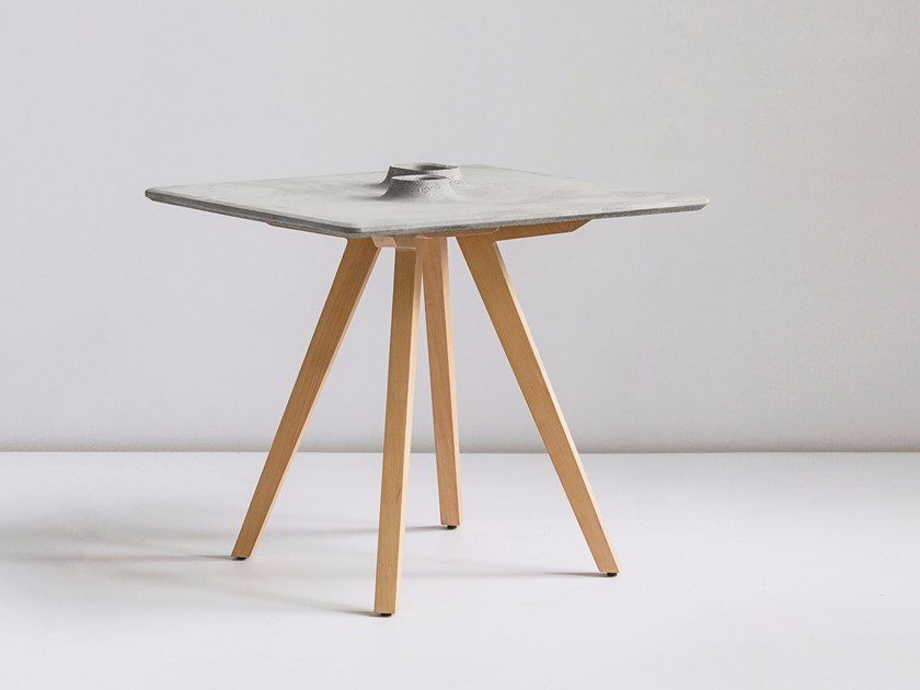 Square concrete table SHENG by Bentu Design