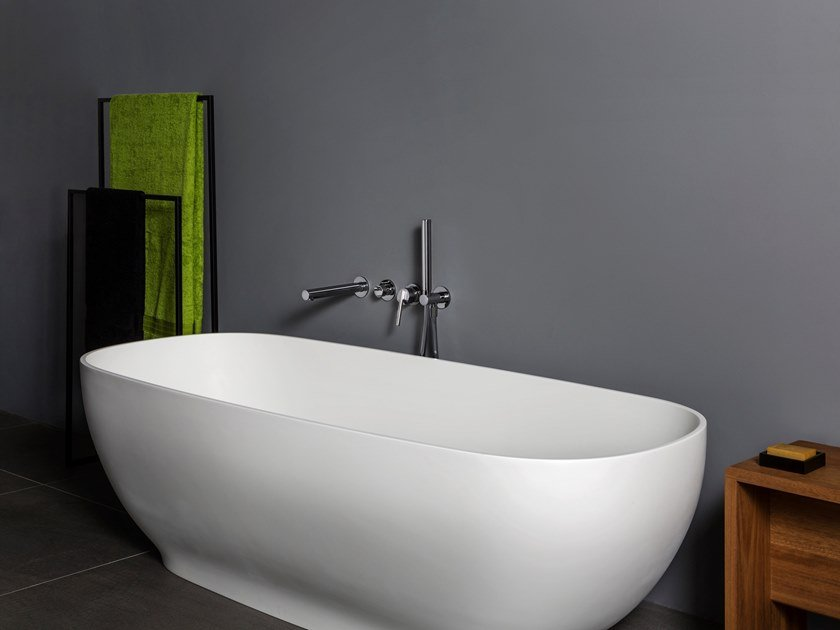 Freestanding oval Solid Surface bathtub SIDD by Kos by Zucchetti
