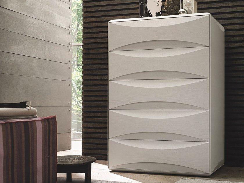 Lacquered chest of drawers with integrated handles SIDNEY | Lacquered chest of drawers by Gruppo Tomasella