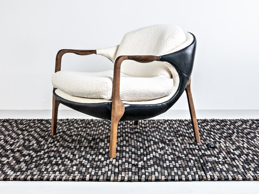 Easy chair with armrests SILA by HOOKL und STOOL