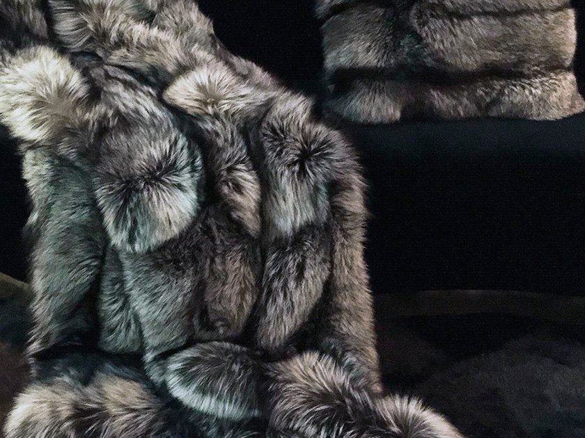 Natural fur throw and cushions SILVER by Miyabi casa