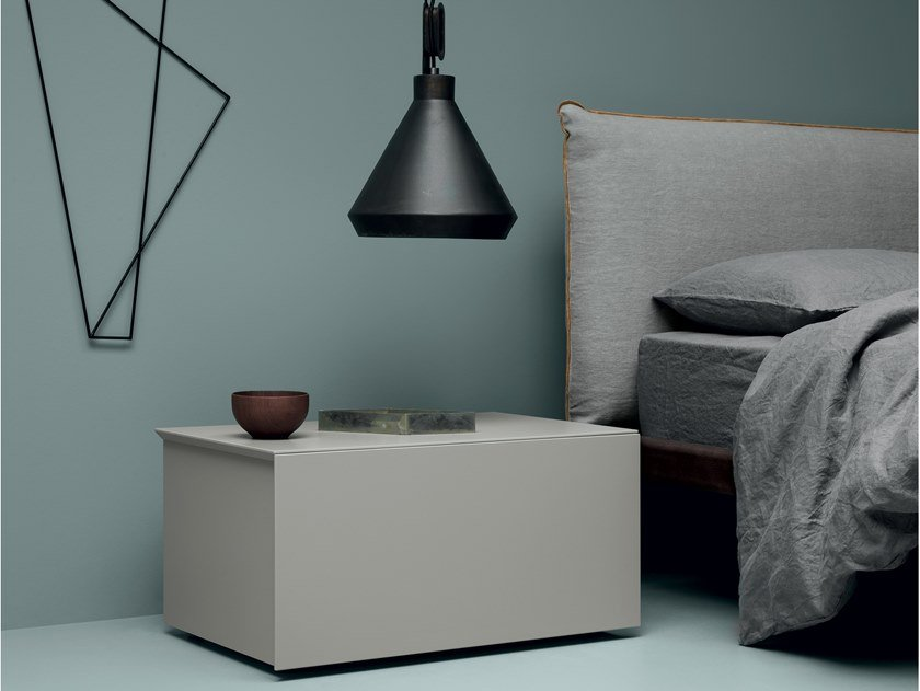 Lacquered bedside table SIMPLE | Bedside table by Md House
