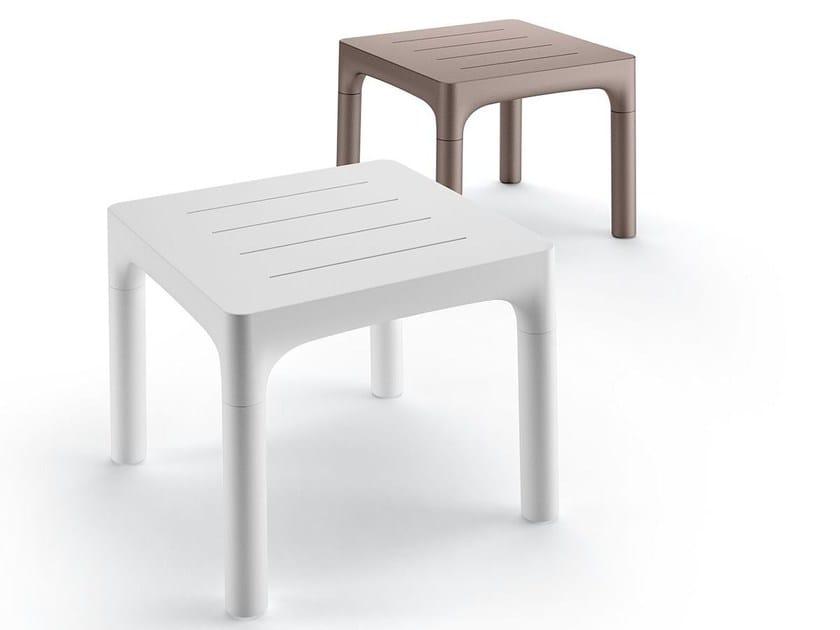 Tavolo quadrato in polietilene SIMPLE TABLE by Plust