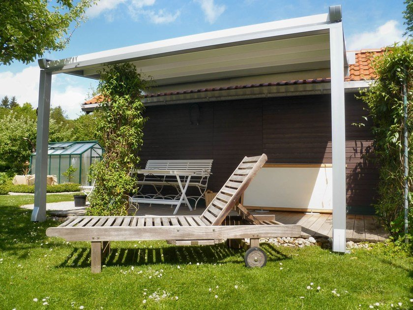 Wall-mounted PVC pergola with sliding cover SINTESI by HELLA