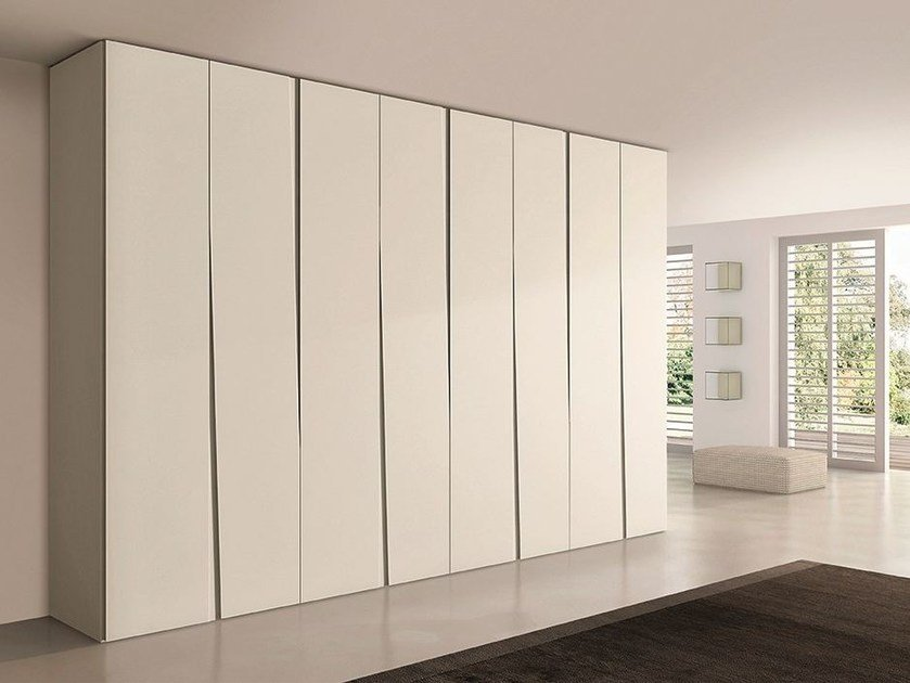 Sectional lacquered wooden wardrobe SIPARIO by EmmeBi