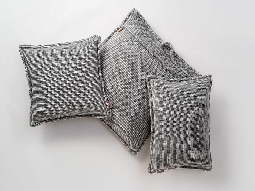SITE SOFT CHECKS | Outdoor cushion