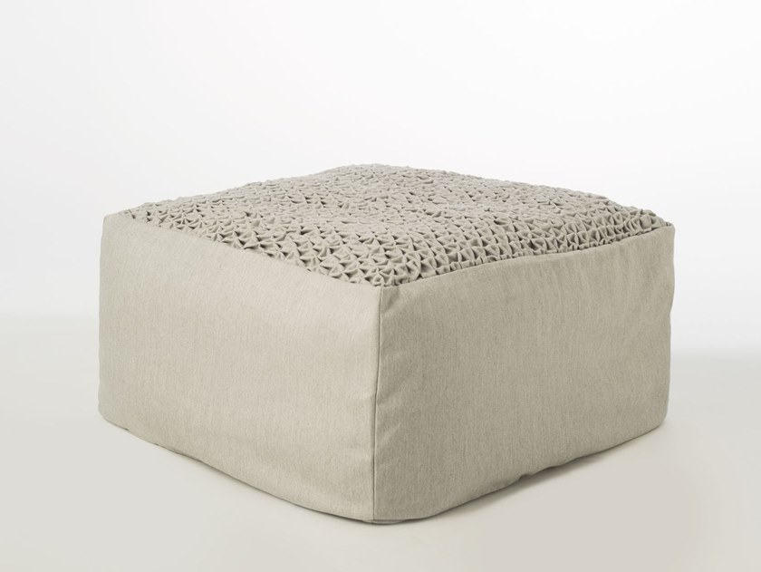 Square garden pouf SITE TEXTURE SHELL by Warli