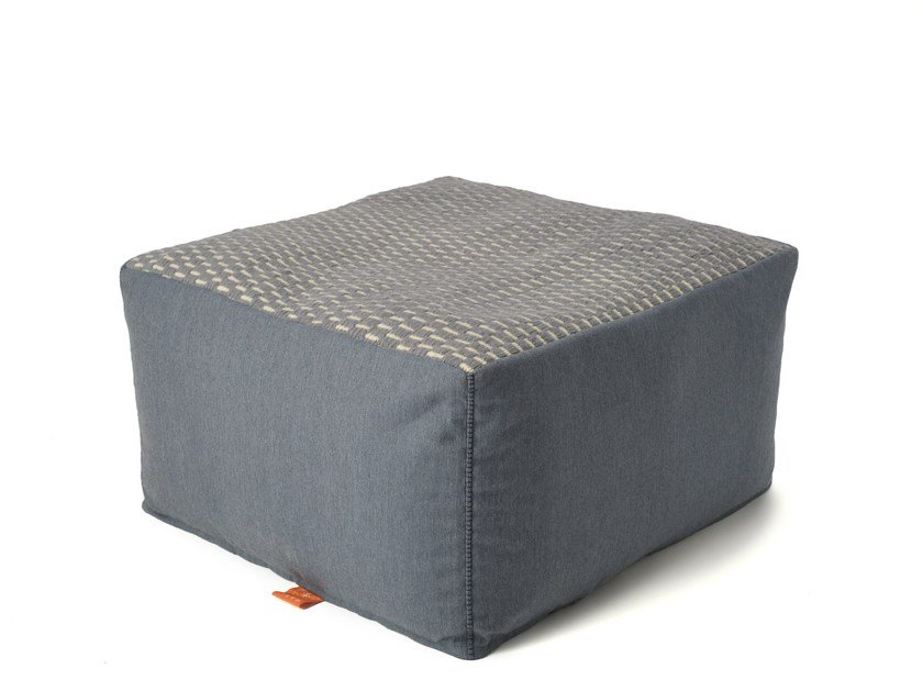 Upholstered acrylic pouf SITE | Upholstered pouf by Warli