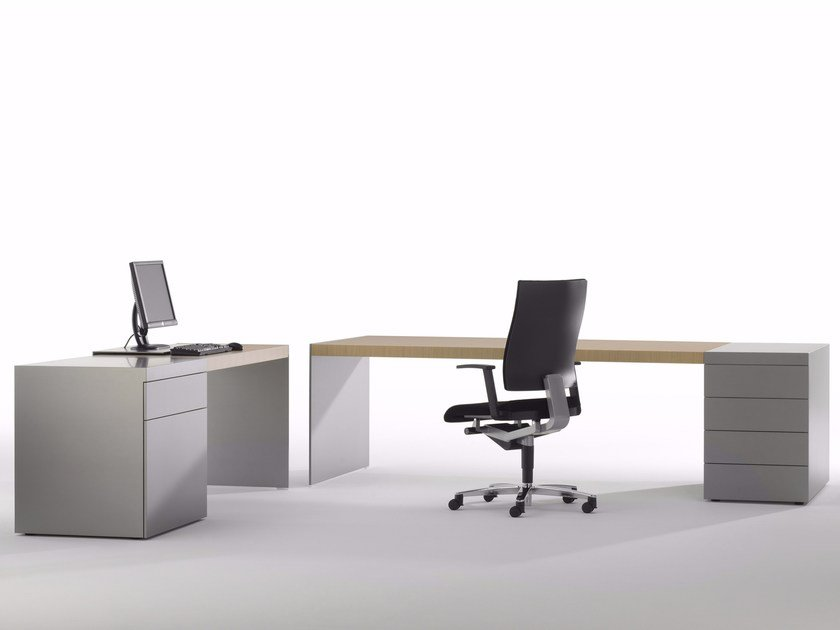 Rectangular wooden executive desk SIZE | Office desk with drawers by RENZ