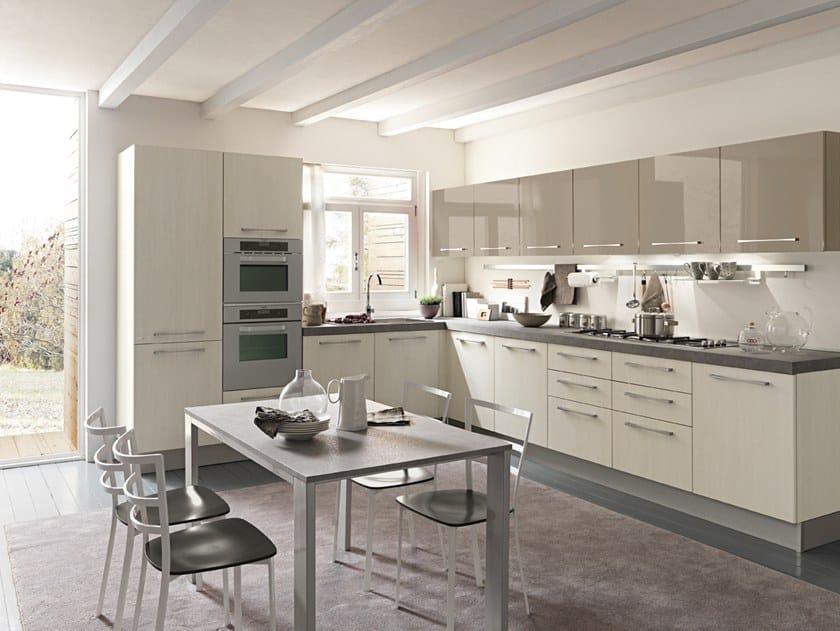 SKY | Cucina laccata By Febal Casa design Dario Poles
