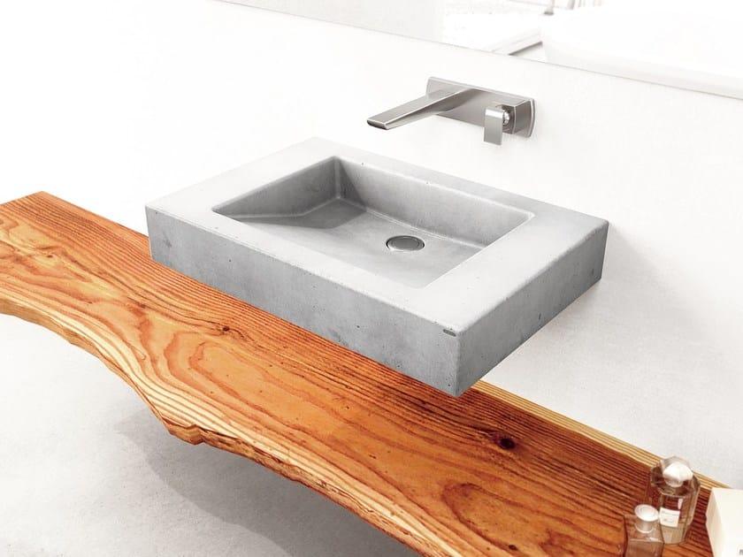 Single wall-mounted concrete washbasin SLANT 07 SINGLE by Gravelli