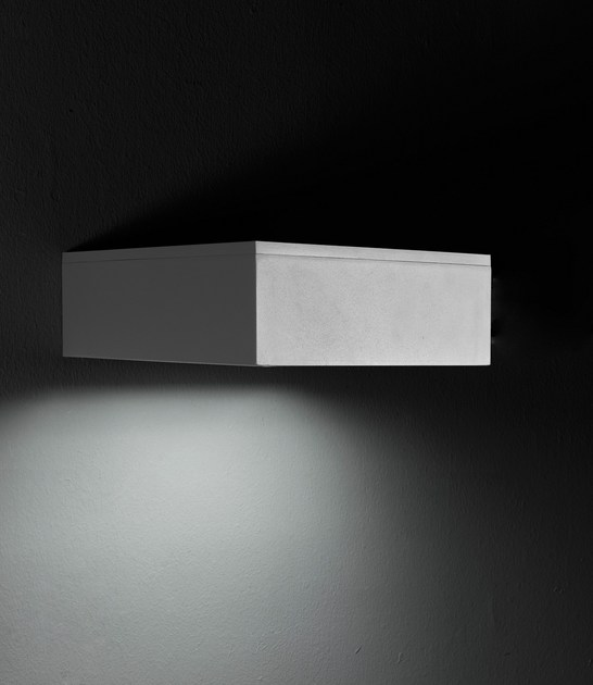 Direct light die cast aluminium wall lamp SLIM F.8254 by Francesconi & C.