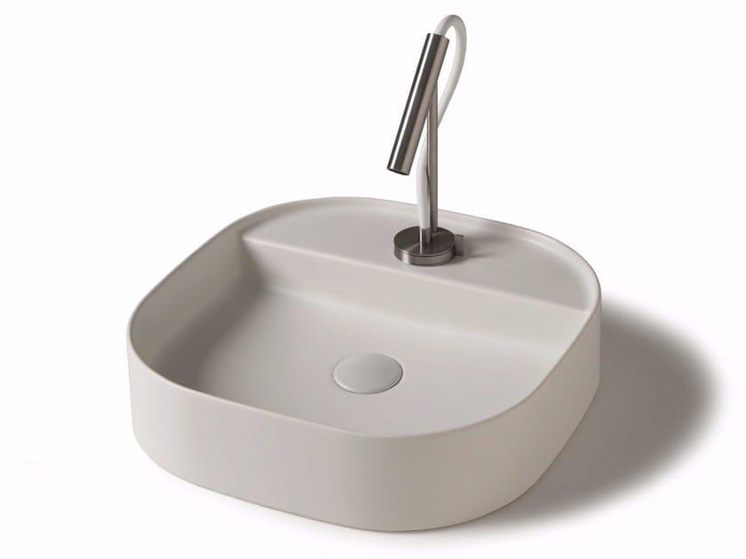 Countertop square ceramic washbasin SMART B - 45x45 cm by GALASSIA