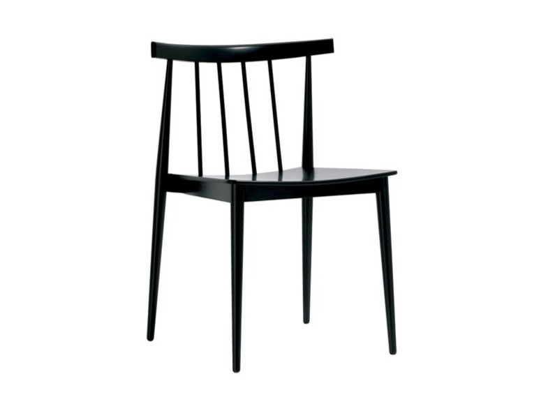 Stackable open back beech chair SMILE SI0323 by Andreu World