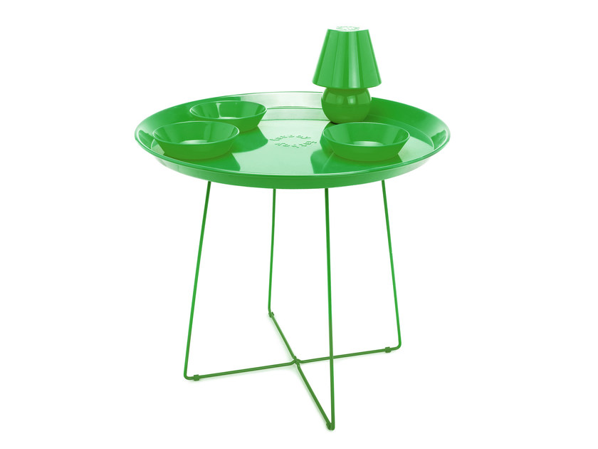 Low round painted metal coffee table SNACKLIGHT + SNACKRACK by Fatboy
