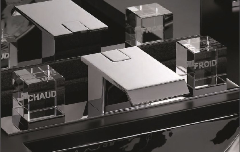 Miscelatore per lavabo a 3 fori in metallo in stile moderno con finitura lucida con piastra SO   Miscelatore per lavabo by INTERCONTACT