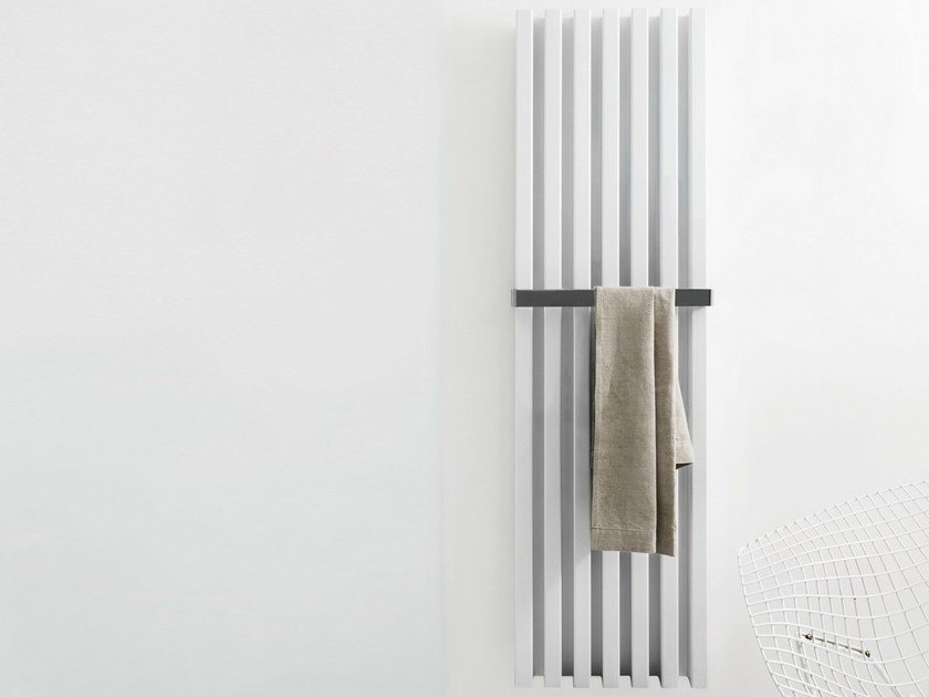 Termoarredo verticale a parete soho bathroom by tubes for Termoarredo tubes