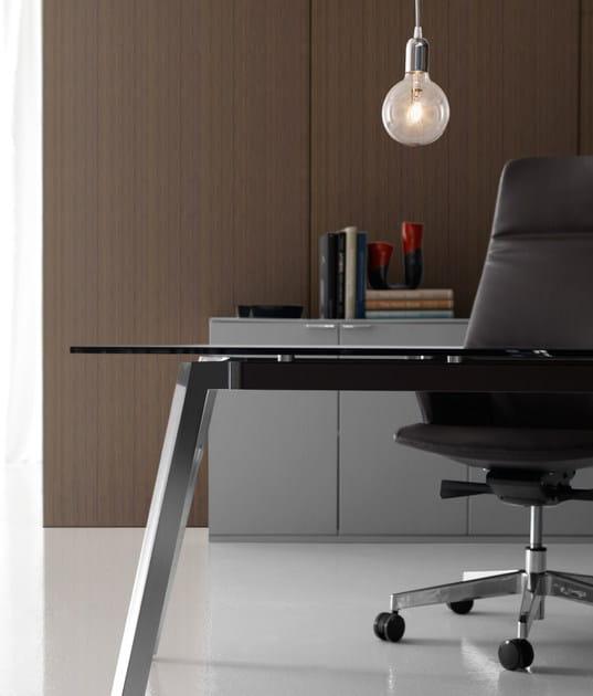 Soho scrivania in vetro collezione soho by quinti sedute for Scrivania direzionale prezzi