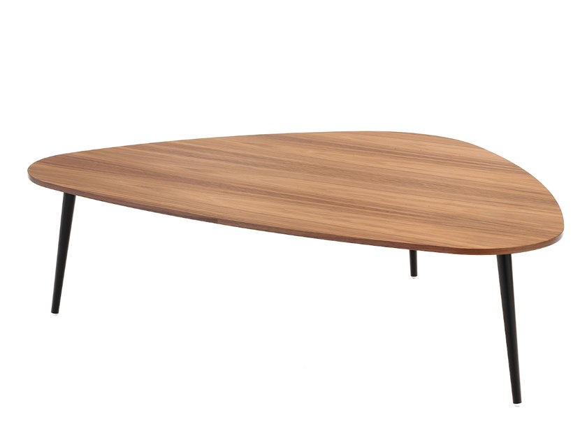 Low triangular MDF coffee table SOHO | Triangular coffee table by COEDITION