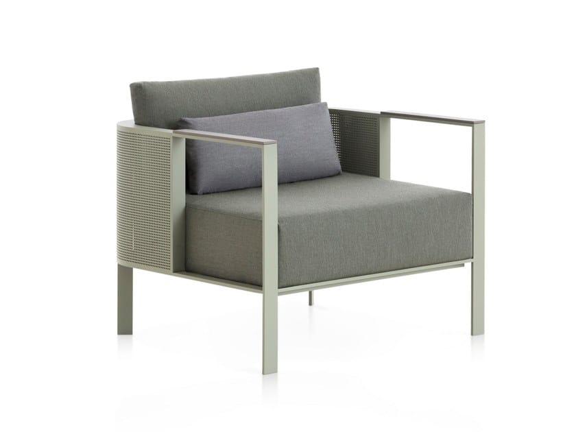 Thermo lacquered aluminium garden armchair with armrests SOLANAS | Garden armchair by GANDIA BLASCO