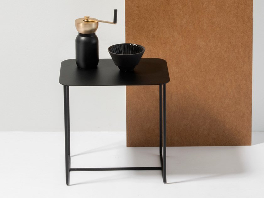 SOLID SIDE TABLE #02