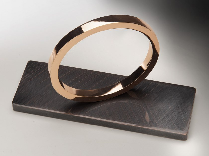 Soprammobile in acciaio SOLITARIO by Pasut Design