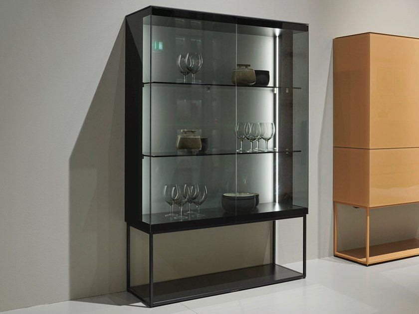 Display cabinet with integrated lighting SOMA | Display cabinet by Kettnaker