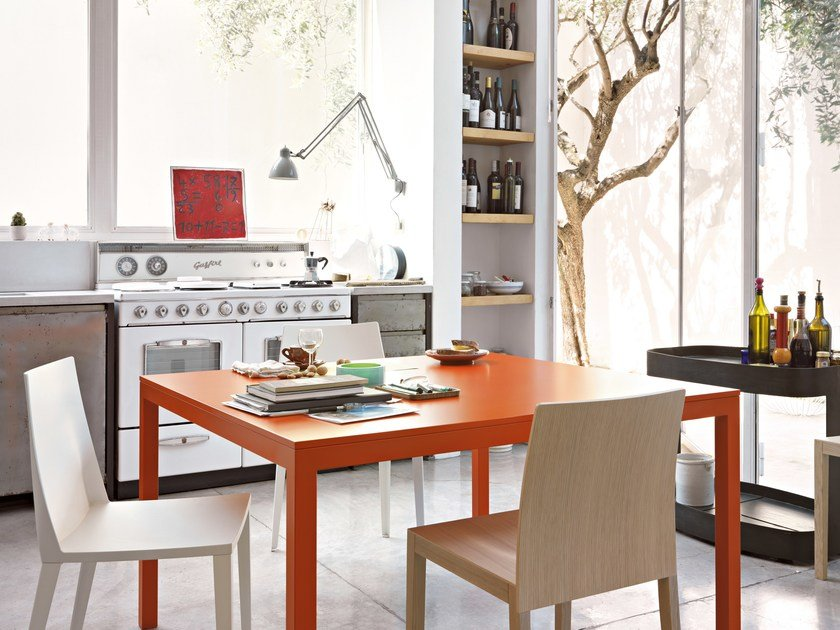 Lacquered square table SOSIA   Square table by Lema