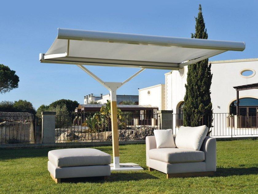 Adjustable offset Garden umbrella SOUBRETTE by Frigerio Living