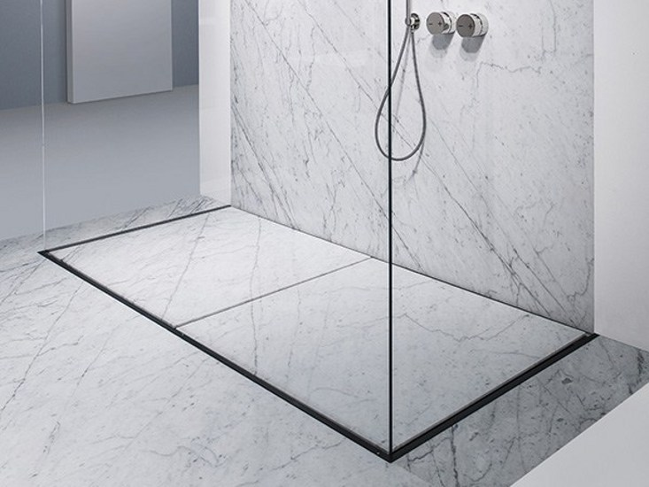 Floorstanding shower system SPACE by MAKRO
