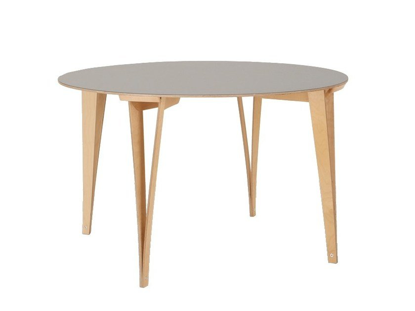 Round plywood table SPARONDO | Table by Nils Holger Moormann