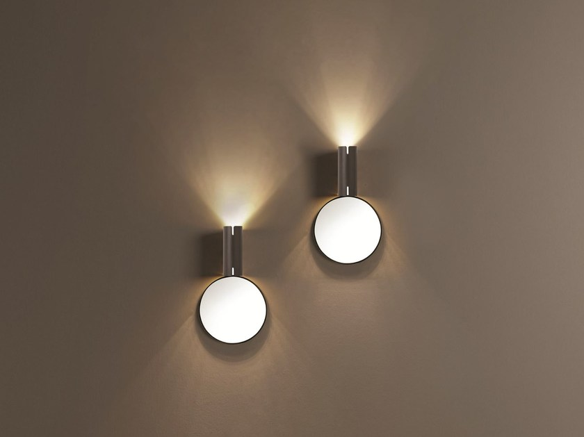 LED direct-indirect light wall lamp SPECULA | Wall lamp by Tooy