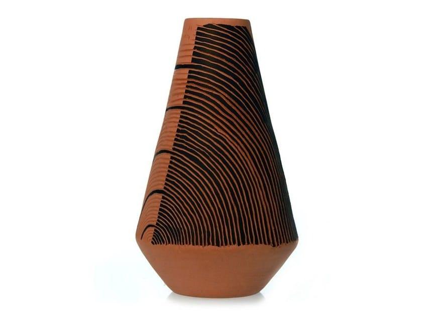 Terracotta vase SPIRAL III by Kiasmo