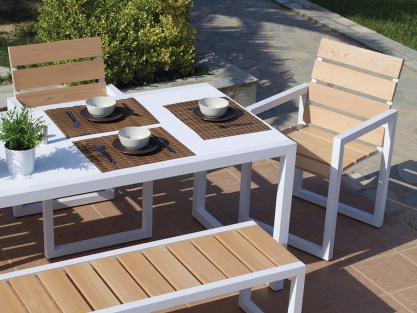 Sled base garden chair with armrests SPRING | Aluminium garden chair by Efasma
