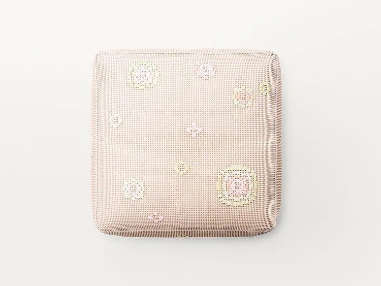 Pouf da giardino quadrato in tessuto SPRING | Pouf da giardino by Paola Lenti
