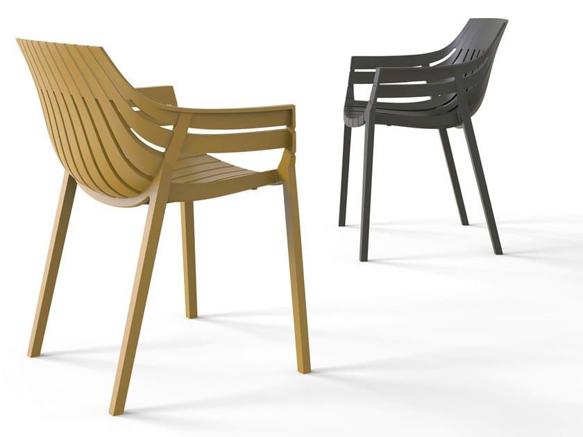 Polypropylene garden chair with armrests SPRITZ | Stackable chair by VONDOM