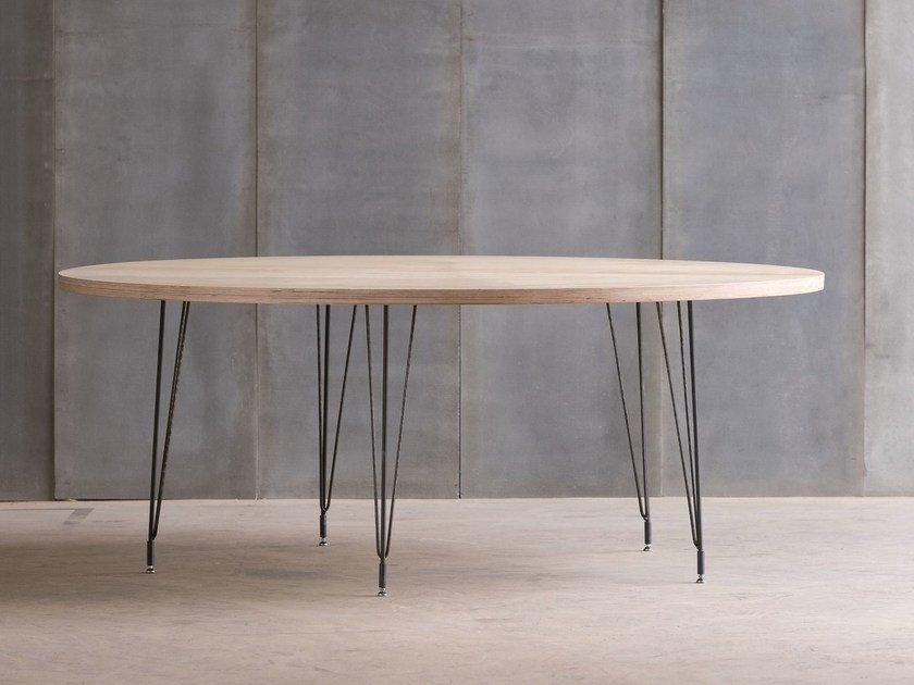 Custom birch table SPUTNIK MTM by Heerenhuis