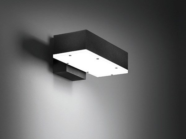 Applique per esterno a luce diretta in alluminio squadra d by bel