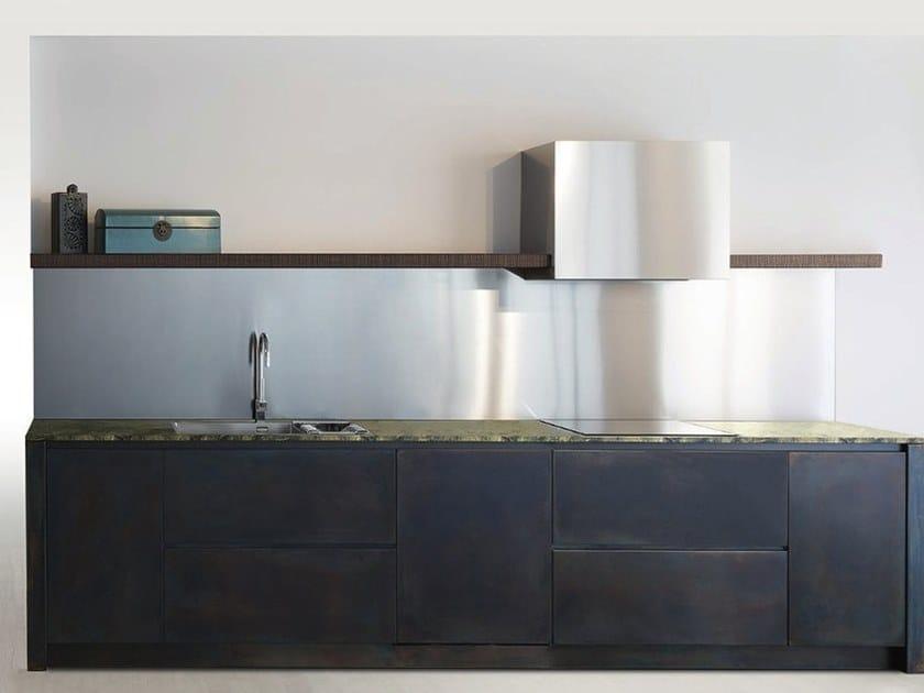 Cucina in acciaio inox con isola SQUARE BRUNITO NERO By Xera by Arex