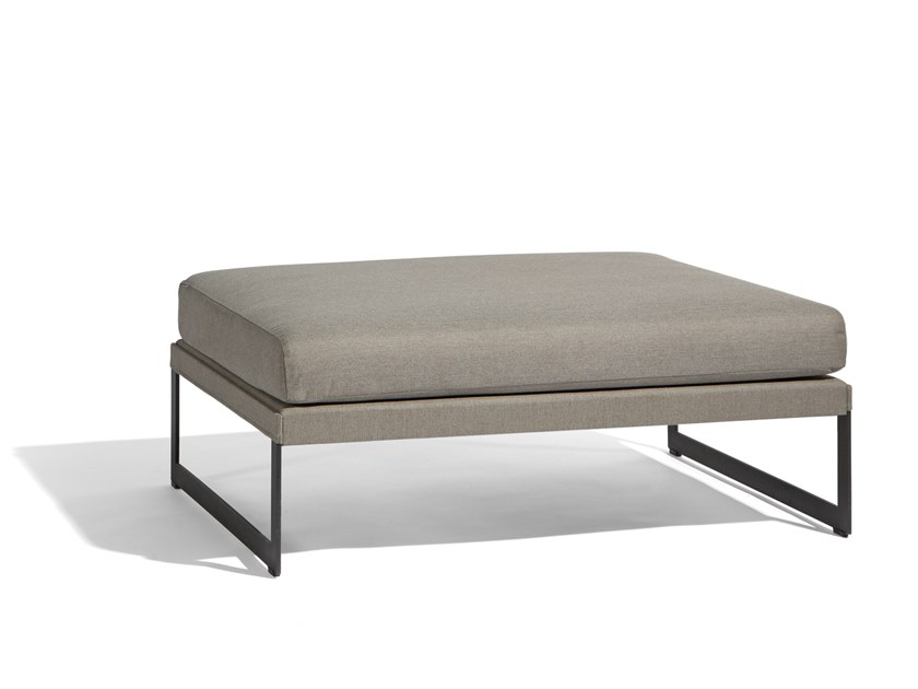 Rectangular garden side table SQUAT | Coffee table by MANUTTI