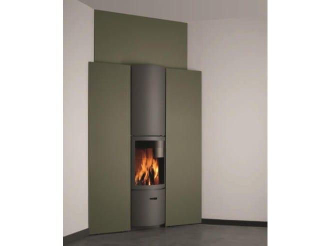 Stufa a legna a parete per riscaldamento aria STÛV 30-IN | Stufa ad angolo by Stûv