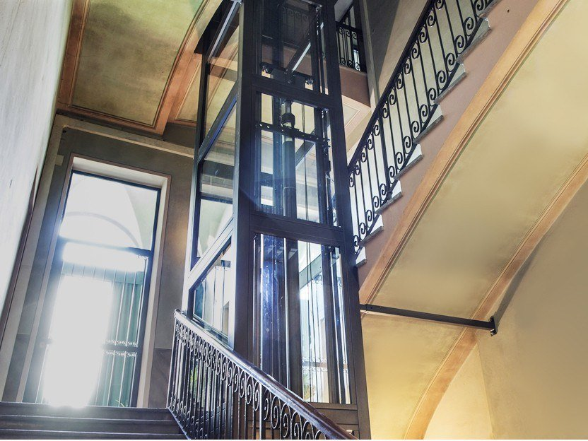 Homelift for narrow staircases STAIRFIT by LIFTINGITALIA