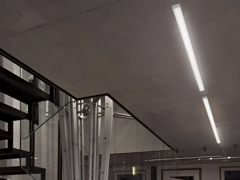 Direct light extruded aluminium ceiling lamp STARDBOARD by GLIP by S.I.L.E