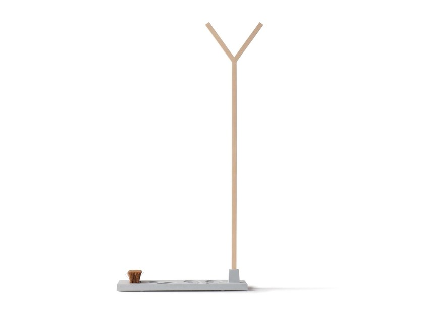 Ash coat stand STELLVERTRETER by Nils Holger Moormann