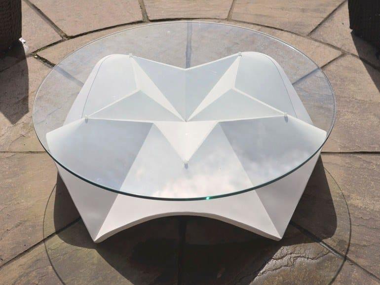 Round concrete garden side table STJERNE by Adam Christopher