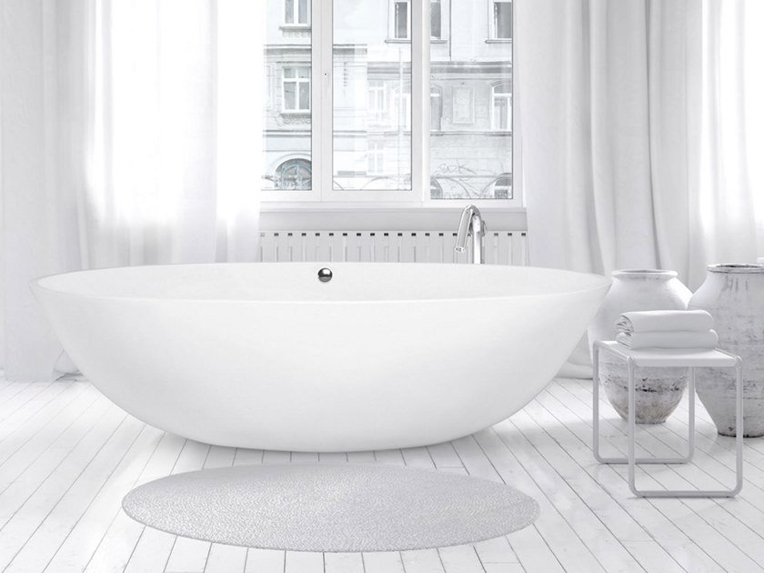 Freestanding oval bathtub STONE ONE BIG by AQUAdesign