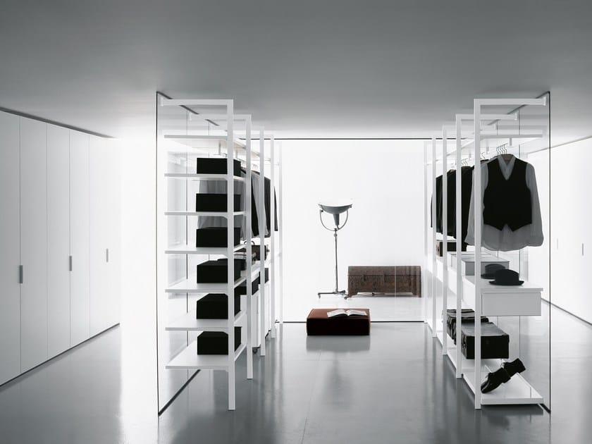 Portaborse Cabina Armadio : Cabina armadio componibile in derivati del legno in stile moderno su