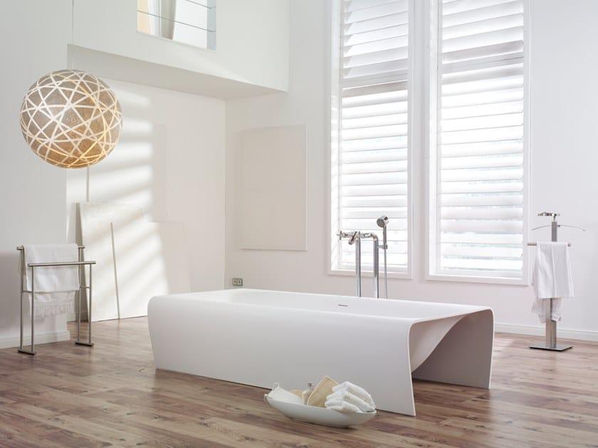Vasca da bagno centro stanza in Cristalplant® STRIP | Vasca da bagno by Aquadesign Studio