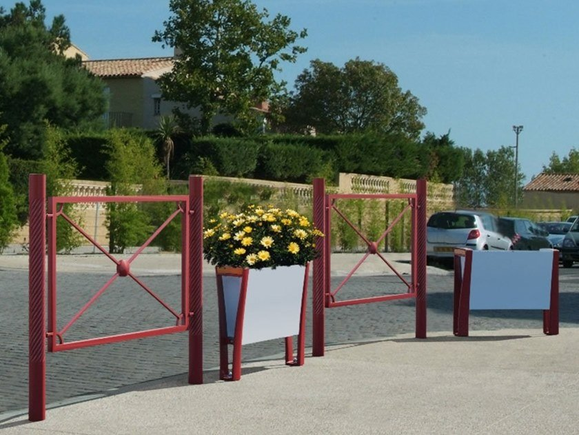Steel pedestrian barrier STRIUM | Pedestrian barrier by GHM-ECLATEC