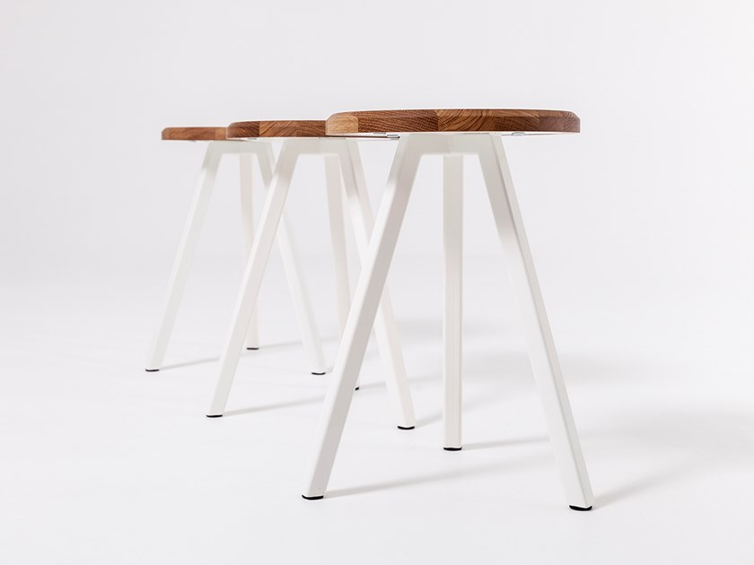 Wooden stool STUDIO | Stool by Liqui Contracts